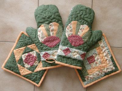 Kuchyňské rukavice a chňapky